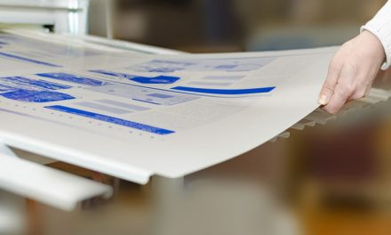 Wie funktioniert ein Plattenwechsel bei Sprachversionen in einer Druckerei?
